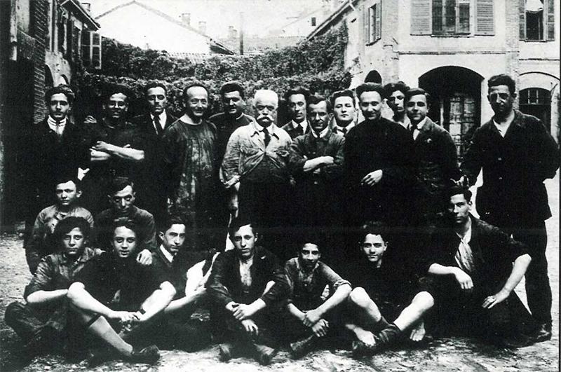 La prima foto di gruppo della Cliché Motta