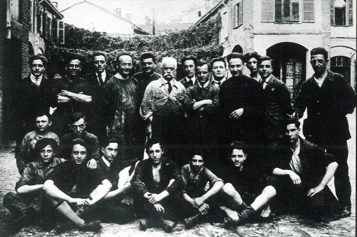 Federico Motta Editore, operai al lavoro