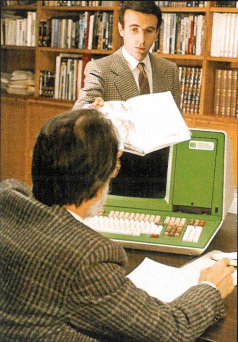 Computer al lavoro in Federico Motta Editore