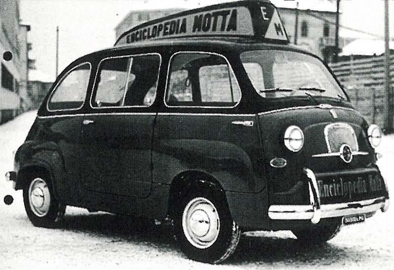 La 500 Multipla con la pubblicità dell'Enciclopedia Motta, Federico Motta Editore